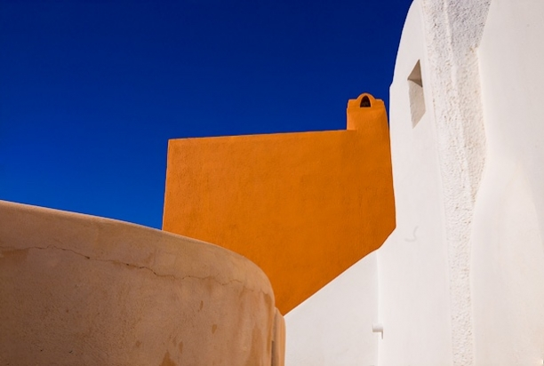 Colorful_architecture_Santorini_Greece