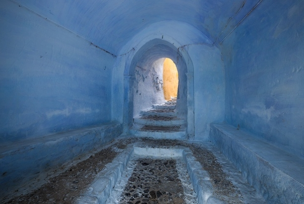 Passageway_Pyrgos_Santorini_Greece