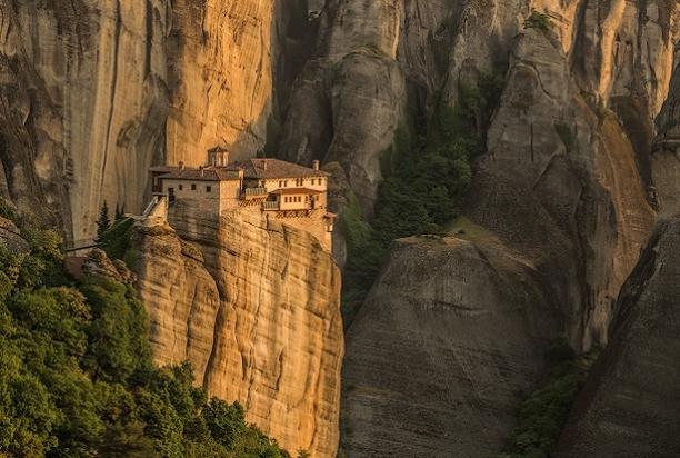 Monastery_b_Meteora_Greece