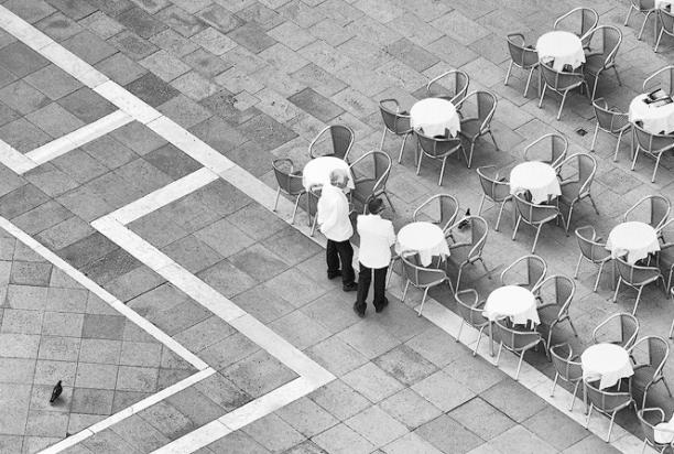 waiters_venice_italy_1108