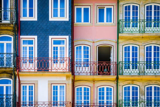 porto colorful building, portugal photo tour