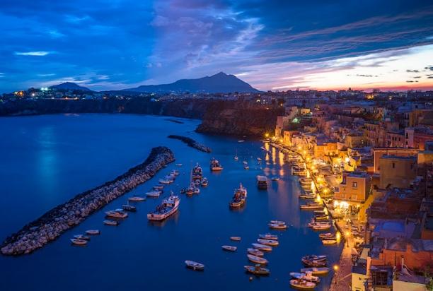 Marina_Corricella_Night_2_Procida_Italy