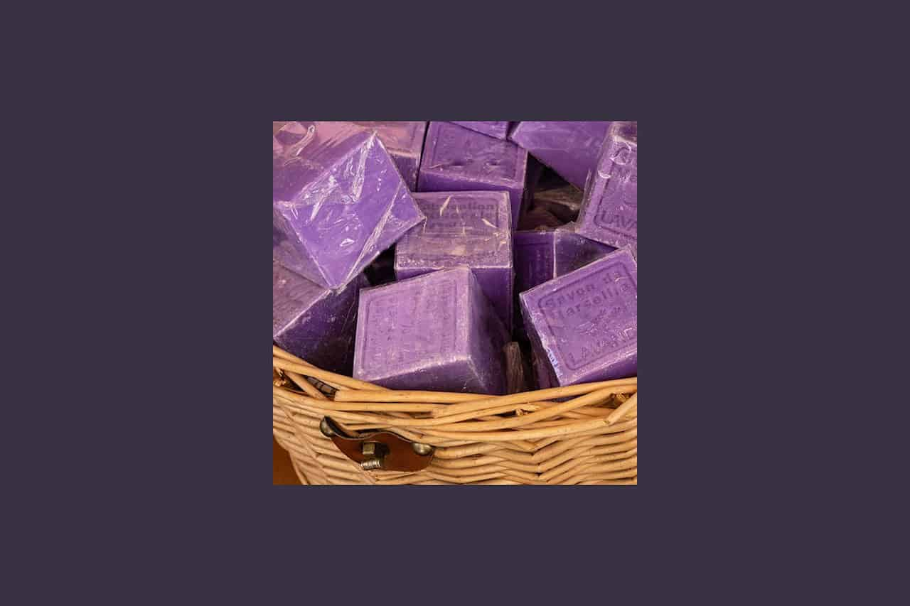 France_Provence_baskt-with-purple-soap_2018