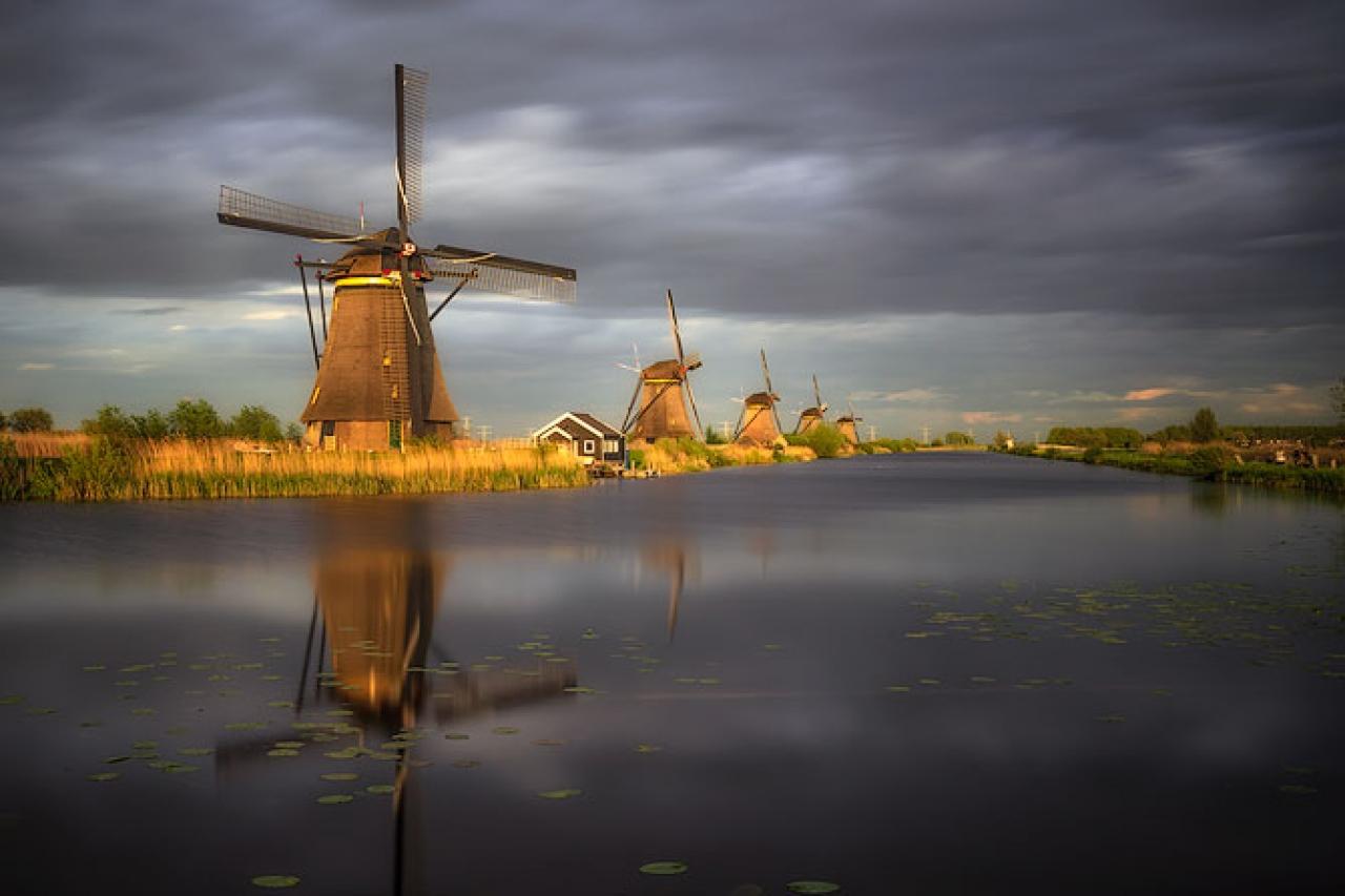 Kinderdijk_Windmills_Netherlands